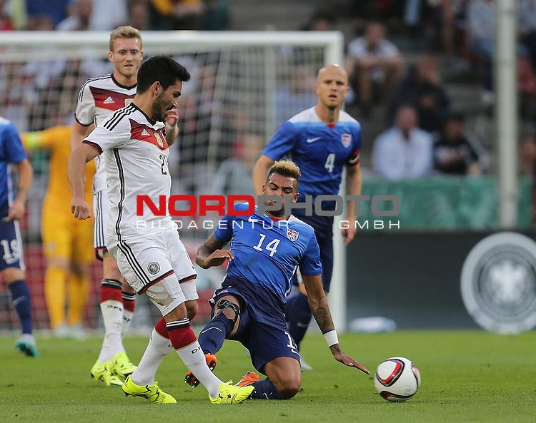 DFB Freundschaftsl&auml;nderspiel, Deutschland vs. USA<br /> Ilkay G&uuml;ndogan (Deutschland), Danny Williams (USA)<br /> <br /> Foto &copy; nordphoto /  Bratic
