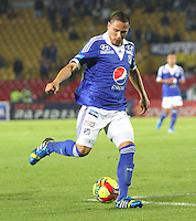 BOGOTA -COLOMBIA- 20 -11--2013. Anderson Zapata de Millonarios  en accion durante partido entre  Millonarios  y Deportivo Cali   ,juego de los cuadrangulares finales de la Liga Postobon jugado en el estadio Nemesio Camacho El Campin   / Anderson Zapata of Millonarios  in action during  game for the match between Millonarios and Deportivo Cali, game runs Postobon League finals played at the stadium Nemesio Camacho El Campin .Photo: VizzorImage / Felipe Caicedol / Staff