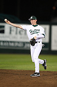February 20, 2010:  Second Baseman Robert Crews (2) of the Stetson Hatters during the teams opening series at Melching Field at Conrad Park in DeLand, FL.  Photo By Mike Janes/Four Seam Images
