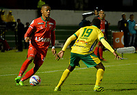 TUNJA -COLOMBIA, 07-07-2017: Danilo Arboleda (Izq) jugador de Patriotas FC disputa el balón con Edinson Palomino (Der) jugador de Atletico Huila durante partido por la fecha 1 de la Liga Águila II 2017 realizado en el estadio La Independencia en Tunja. / Danilo Arboleda (L) player of Patriotas FC fights for the ball with Edinson Palomino (R) player of Atletico Huila during match for the date 1 of Aguila League II 2017 at La Independencia stadium in Tunja. Photo: VizzorImage / Javier Morales  / Cont
