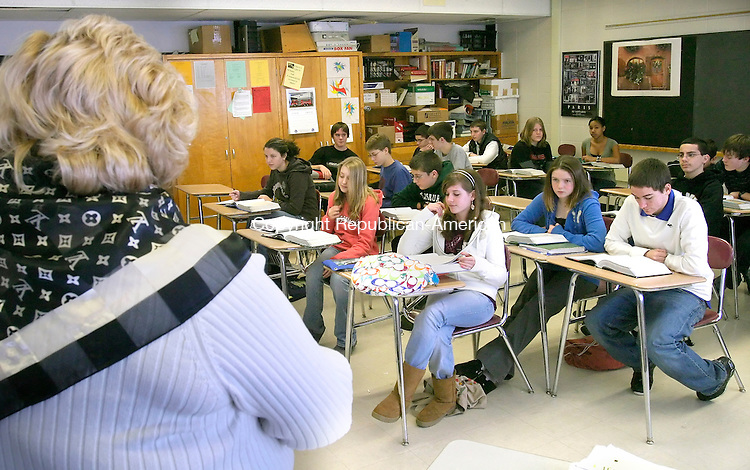 TORRINGTON, CT-- 03 JANUARY 2008--010308JS07-Torrington High School English teacher leads a class of freshman at Torrington High School on Thursday. The school has begun a transition program from middle school to high school to try to stop the flood of Torrington High School dropouts. <br /> Jim Shannon/Republican-American