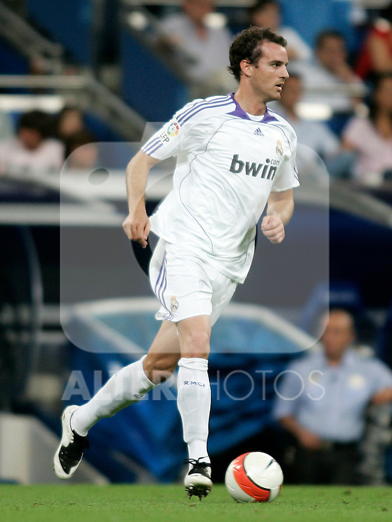 Real Madrid's Christoph Metzelder during the Spanish League match between Real Madrid and Atletico de Madrid at Santiago Bernabeu Stadium in Madrid, Saturday August 25 2007. (ALTERPHOTOS/B.Echavarri).