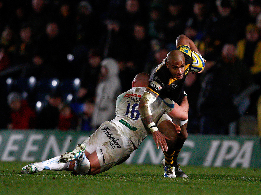 Photo: Richard Lane/Richard Lane Photography. London Wasps v Exeter Chiefs. Aviva Premiership. 05/01/2014. Wasps' Tom Varndell attacks.