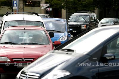 Genève, le 18.09.2007.Circulation automobile à la Place Neuve..© J.-P. Di Silvestro..