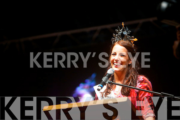 Nicola McEvoy speaking on the Denny Street Stage after the Rose of Tralee International Festival parade on Saturday night.