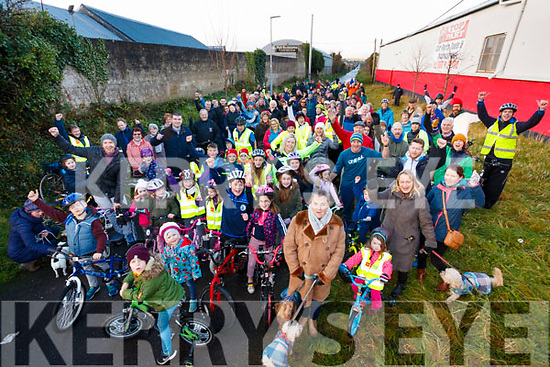 The huge crowd who turned out for the Tralee to Fenit Greenway Cycle, Tralee, on Sunday last.