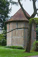 France, Calvados (14), Pays d' Auge, Bellou , le colombier du manoir  // France, Calvados, Pays d' Auge, Bellou , manor dovecote