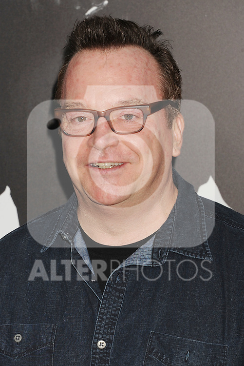 HOLLYWOOD, CA - AUGUST 15: Tom Arnold arrives at the 'The Expendables 2' - Los Angeles Premiere at Grauman's Chinese Theatre on August 15, 2012 in Hollywood, California. /NortePhoto.com....**CREDITO*OBLIGATORIO** ..*No*Venta*A*Terceros*..*No*Sale*So*third*..*** No Se Permite Hacer Archivo**..*No*Sale*So*third*