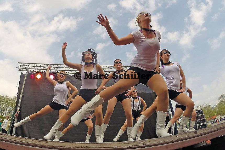 Frankfurt Universe Cheerleader treten auf