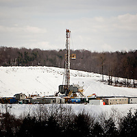 A natural gas drilling rig sits on a hill near South Montrose, PA, USA, 25 March 2011.