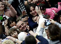 Papa Francesco accarezza una bambina al suo arrivo all'Udienza Generale del mercoledi' in aula Paolo VI in Vaticano, 20 dicembre 2017.<br /> Pope Francis caresses a child as he arrives to lead his weekly general audience in Paul VI Hall at the Vatican, on December 20, 2017.<br /> UPDATE IMAGES PRESS/Isabella Bonotto<br /> <br /> STRICTLY ONLY FOR EDITORIAL USE