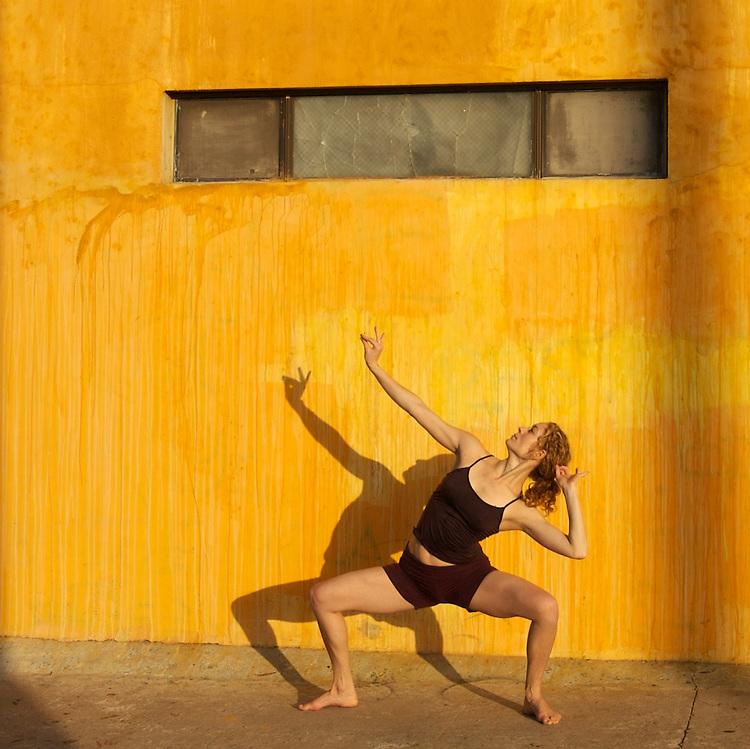 Urban yoga photo shoot for Kyra Haglund.