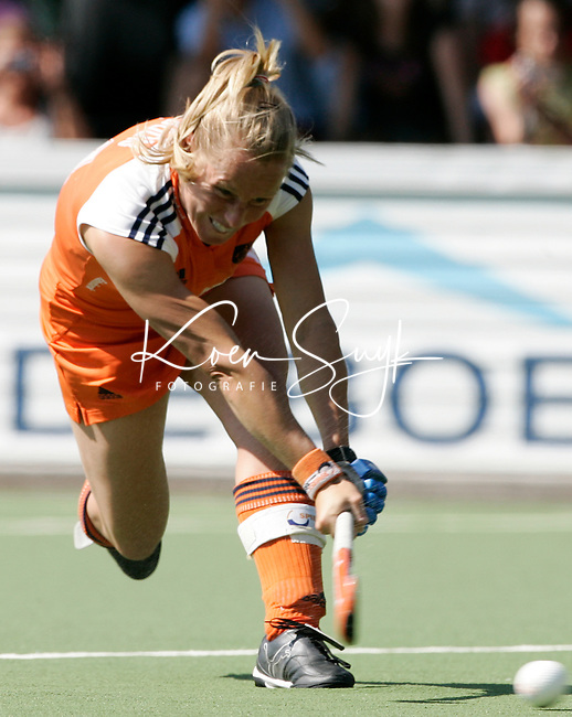 AMSTELVEEN: Champions Trophy 2006 dames  Minke Booij ? PHOTO KOEN SUYK