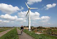 Durgerdam. Dijk met windmolen