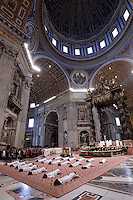 Papa Francesco celebra una messa per l'ordinazione di 19 nuovi sacerdoti nella Basilica di San Pietro, Citta' del Vaticano, 26 aprile 2015.<br /> Pope Francis celebrates a mass for the ordination of 19 new priests in St. Peter's Basilica at the Vatican, 26 April 2015.<br /> UPDATE IMAGES PRESS/Riccardo De Luca<br /> <br /> STRICTLY ONLY FOR EDITORIAL USE