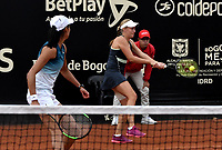 BOGOTÁ-COLOMBIA, 13-04-2019: Astra Sharma (AUS) y Zoe Hives (AUS), juegan un punto en su partido contra Hayley Carter (EE. UU.) Y Ena Shibahara (EE. UU.), durante partido por la final de dobles del Claro Colsanitas WTA, que se realiza en el Carmel Club en la ciudad de Bogotá. / Astra Sharma (AUS) y Zoe Hives (AUS), play a point in their match against Hayly Carter (USA) and Ena Shibahara (USA), during the match for the doubles final of Claro Colsanitas WTA, which takes place at Carmel Club in Bogota city. / Photo: VizzorImage / Luis Ramírez / Staff.