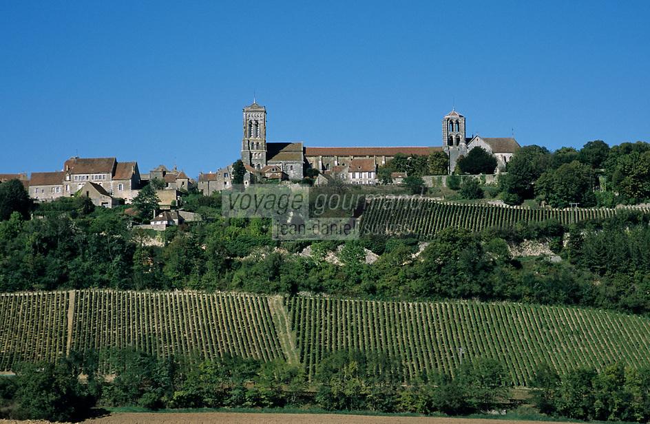 Europe/France/89/Yonne/Vézelay: Le village et le vignoble AOC Bourgogne Vézelay