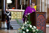 Milano, funerale di Teresa Pomodoro nella Basilica di Sant'Ambrogio. La messa di Don Virginio Colmegna --- Milan funeral of Teresa Pomodoro in the Basilica di Sant'Ambrogio. Liturgy by father Colmegna