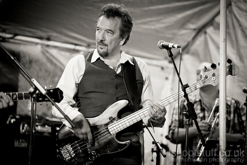 The Hamish Stuart Band at mOare Music 2012