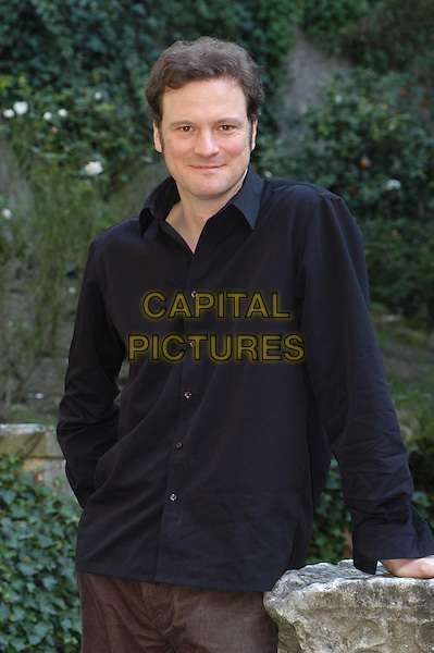 COLIN FIRTH.3 December 2003.half length, half-length, blue, black shirt.www.capitalpictures.com.sales@capitalpictures.com.© Capital Pictures