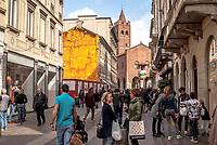 Monza. L'Arengario in fondo a via Italia ---- Monza. The Arengario down Italia street