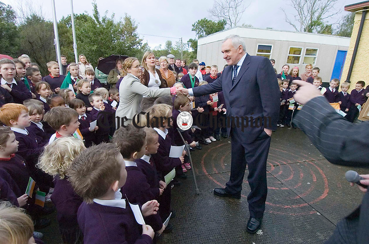 The Taoiseach Bertie Ahern arrives in the schoolyard at Meelick N.S. Photograph by John Kelly.