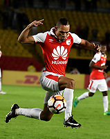 BOGOTA - COLOMBIA - 20 – 02 - 2018: Anderson Plata, jugador de Independiente Santa Fe en accion durante partido de vuelta entre Independiente Santa Fe (COL) y Santiago Wanderers (CHL), de la fase 3 llave 1, por la Copa Conmebol Libertadores 2018, jugado en el estadio Nemesio Camcho El Campin de la ciudad de Bogota. / Anderson Plata, player of Independiente Santa Fe, in action during a match for the second leg between Independiente Santa Fe (COL) and Santiago Wanderers (CHL), of the 3rd phase key 1, for the Copa Conmebol Libertadores 2018 at the Nemesio Camacho El Campin Stadium in Bogota city. Photo: VizzorImage  / Luis Ramirez / Staff.