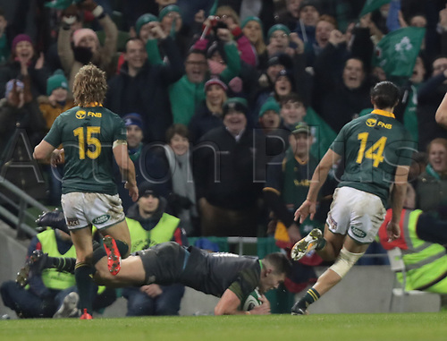 11th November 2017, Aviva Stadium, Dublin, Ireland; Autumn International Series, Ireland versus South Africa; Jacob Stockdale (Ireland) dives over in the corner to score a try