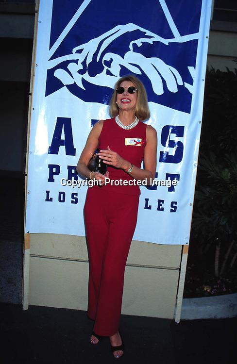 "©KATHY HUTCHINS/HUTCHINS.9/28/97 "" APLA AIDS WALK LOS ANGELES "".CHRISTINE BARANSKI"