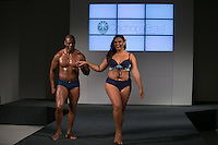 SÃO PAULO, SP, 24.07.2016 - MODA-SP - Desfile da marca Vislumbre durante o 14 Fashion Weekend Plus Size que acontece neste domingo, 24 no Centro de Convenções Frei Caneca. (Foto: Ciça Neder/Brazil Photo Press)