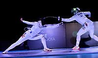 BOGOTA – COLOMBIA – 28 – 05 – 2017: Man Wai Vivian Kong (Izq.) de Hong Kong, combate con Emese Szasz-Kovacs (Der.) de Hungria, durante las Finales Damas Mayores Epee del Gran Prix de Espada Bogota 2017, que se realiza en el Centro de Alto Rendimiento en Altura, del 26 al 28 de mayo del presente año en la ciudad de Bogota.  / Man Wai Vivian Kong (L) from Hong Kong, with Emese Szasz-Kovacs (R) from Hungary, during the Finals Senior Women´s Epee of the Grand Prix of Espada Bogota 2017, that takes place in the Center of High Performance in Height, from the 26 to the 28 of May of the present year in The city of Bogota.  / Photo: VizzorImage / Luis Ramirez / Staff.