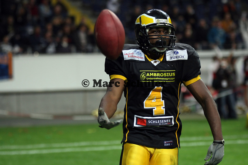 Touchdown David McCants (Berlin)<br /> German Bowl XXXI Berlin Adler vs. Kiel Baltic Hurricanes, Commerzbank Arena *** Local Caption *** Foto ist honorarpflichtig! zzgl. gesetzl. MwSt. Auf Anfrage in hoeherer Qualitaet/Aufloesung. Belegexemplar an: Marc Schueler, Alte Weinstrasse 1, 61352 Bad Homburg, Tel. +49 (0) 151 11 65 49 88, www.gameday-mediaservices.de. Email: marc.schueler@gameday-mediaservices.de, Bankverbindung: Volksbank Bergstrasse, Kto.: 151297, BLZ: 50960101