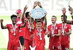 Deutscher Meister 2020, FC Bayern Muenchen v.l. Kingsley Coman, Joshua Zirkzee, Philippe Coutinho mit Meisterschale, Mickael ''Michael'' Cuisance, Oliver Batista Meier<br />Wolfsburg, 27.06.2020: nph00001: , Fussball Bundesliga, VfL Wolfsburg - FC Bayern Muenchen 0:4<br />Foto: Tim Groothuis/Witters/Pool//via nordphoto<br /> DFL REGULATIONS PROHIBIT ANY USE OF PHOTOGRAPHS AS IMAGE SEQUENCES AND OR QUASI VIDEO<br />EDITORIAL USE ONLY<br />NATIONAL AND INTERNATIONAL NEWS AGENCIES OUT
