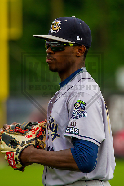 Kane County Cougars outfielder Anfernee Grier (10) during a Midwest League game against the Wisconsin Timber Rattlers on June 11, 2017 at Fox Cities Stadium in Appleton, Wisconsin.  Kane County defeated Wisconsin 6-4. (Brad Krause/Krause Sports Photography)