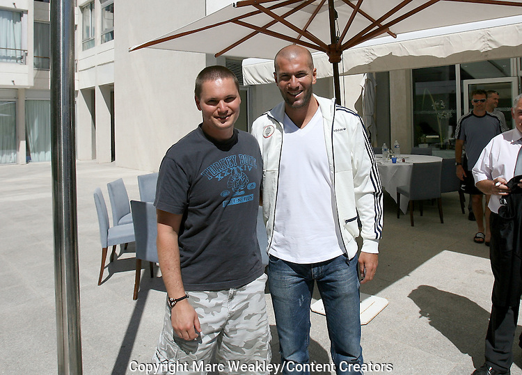 Marc Weakley. All Blacks with Zinedine Zidane, Marseille, 06 September 2007.