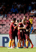 Calcio, Serie A: Napoli vs Roma. Napoli, stadio San Paolo, 15 ottobre. <br /> Roma Edin Dzeko, right, celebrates with teammates after scoring during the Italian Serie A football match between Napoli and Roma at Naples' San Paolo stadium, 15 October 2016. Roma won 3-1.<br /> UPDATE IMAGES PRESS/Isabella Bonotto