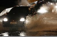 SÃO PAULO, SP, 26/02/2013/ CHUVA. A forte chuva que caiu sobre São Paulo, deixou vários pontos de alagamentos na cidade. Na foto o Viaduto Bresser no bairro da Mooca, onde os alagamentos são constantes. LUIZ GUARNIERI/ BRAZIL PHOTO PRESS.