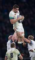 Twickenham, Surrey. UK.  Charlie EWELS, collect the line out ball, during the England vs Samoa, Autumn International. Old Mutual Wealth Series. RFU Stadium, Twickenham. Surrey, England.<br /> <br /> Saturday  25.11.17  <br /> <br /> [Mandatory Credit Peter SPURRIER/Intersport Images]