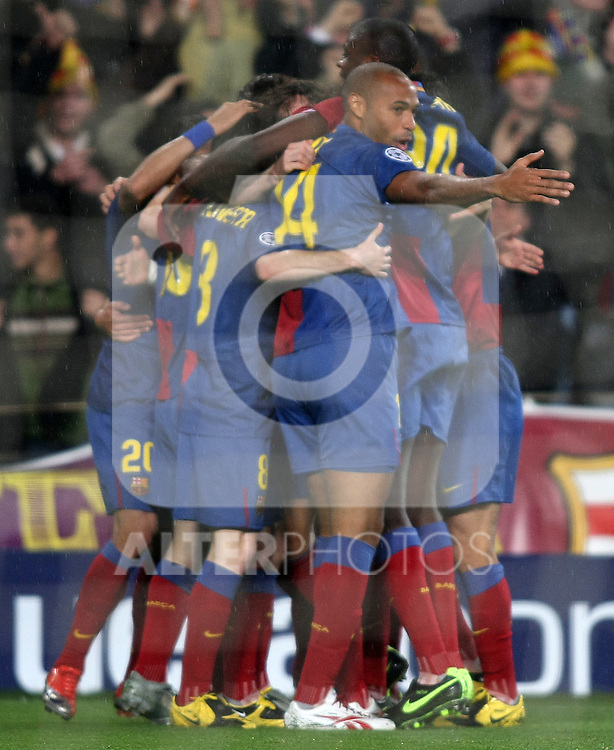 FC Barcelona's playes celebrate goal during the UEFA Champiosn League match.April 8 2009. (ALTERPHOTOS/Acero).