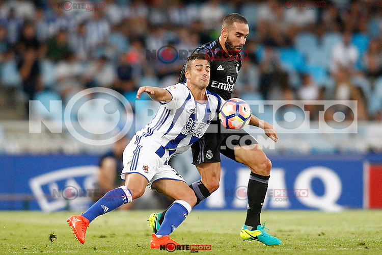 Real Sociedad's David Concha (l) and Real Madrid's Daniel Carvajal during La Liga match. August 21,2016. (ALTERPHOTOS/Acero) /NORTEPHOTO