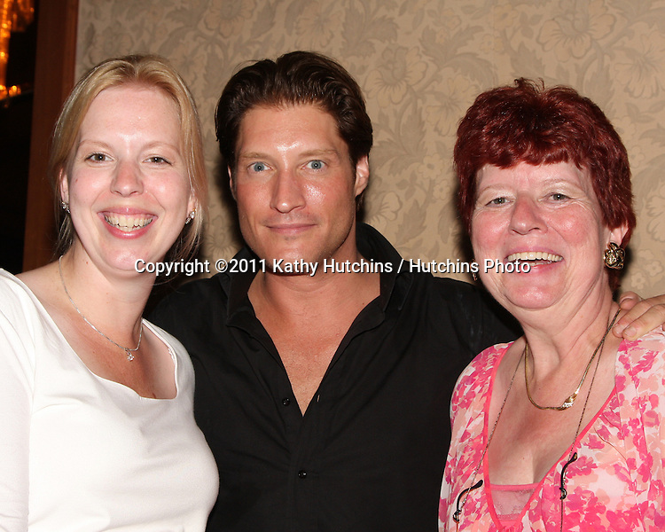 LOS ANGELES - AUG 26:   Angelique de Vries, Sean Kanan, Her mom attending the Young & Restless Fan Dinner 2011 at the Universal Sheraton Hotel on August 26, 2011 in Los Angeles, CA