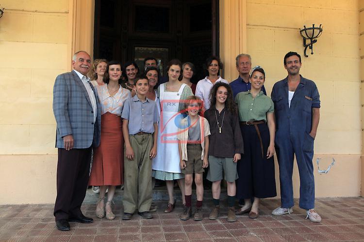 La llum d'Elna.<br /> Visita al rodaje.<br /> Foto de familia con los actores, guionista &amp; productores del film.