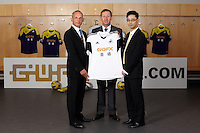 Pictured L-R: Albert SIn of Goldenway with club chairman Huw Jenkins and Albert Sin of Goldenway. <br />