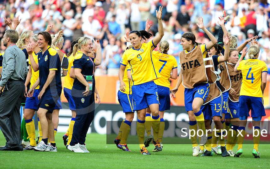 Fifa Women's World Cup Germany 2011 : France - Sweden  at Sinsheim : vreugde na het fluitsignaal bij de Zweedse ploeg.foto DAVID CATRY / Vrouwenteam.be