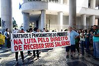 RIO DE JANEIRO, RJ, 10.07.2017 - MANIFESTAÇÃO-RJ - Ato dos servidores estaduais pelo pagamento dos salários atrasados, na Secretaria Estadual de Fazenda (SEFAZ) no Rio de Janeiro, nesta segunda-feira, 10. (Foto: Clever Felix/Brazil Photo Press)