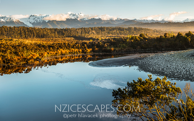 Southern Alps with Franz Josef Glacier and Five Mile Lagoon, Westland Tai Poutini National Park, West Coast, UNESCO World Heritage Area, New Zealand, NZ