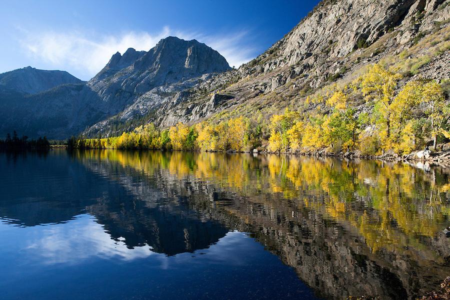 Sierra Nevada Mountains in autumn, California, USA