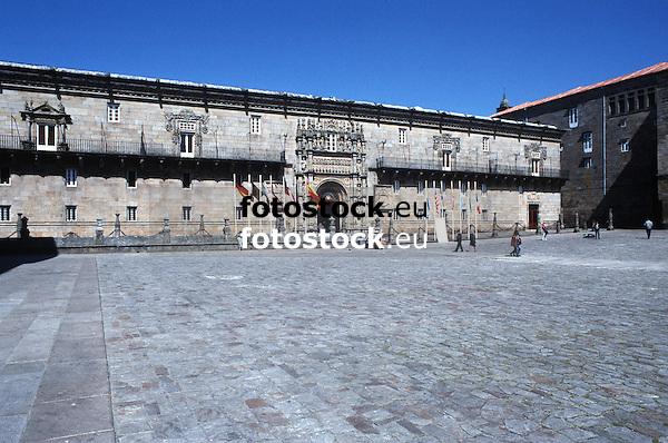 Parador Nacional Hostal de los Reyes Cat&oacute;licos en la Plaza de Obradoiro<br /> <br /> 3861 x 2558 px<br /> Original: 35 mm slide transparency