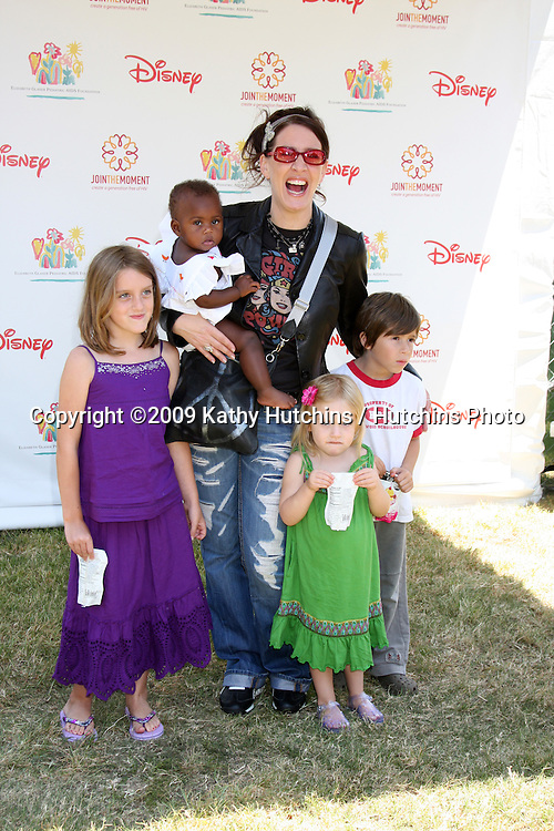 "Joely Fisher & Her children, nephew Holden   arriving at ""A Time For Heroes Celebrity Carnival"" benefiting the Elizabeth Glaser Pediatrics AIDS Foundation at the Wadsworth Theater Grounds in Westwood , CA on June 7, 2009 .©2009 Kathy Hutchins / Hutchins Photo.."