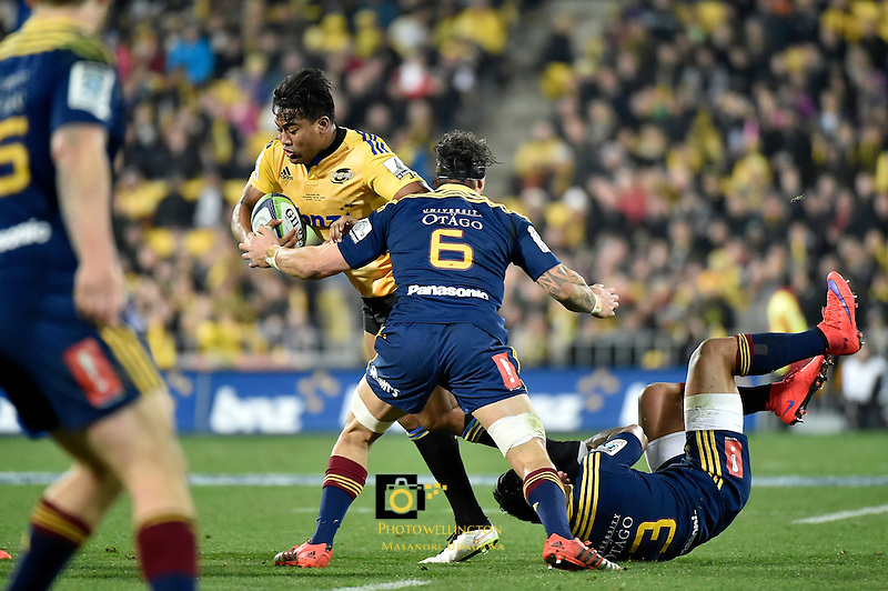 Julian Savea in action during the Super Rugby Final - Hurricanes v Highlanders at Westpac Stadium, Wellington, New Zealand on Saturday 4 July 2015.<br /> Photo by Masanori Udagawa. <br /> www.photowellington.photoshelter.com.